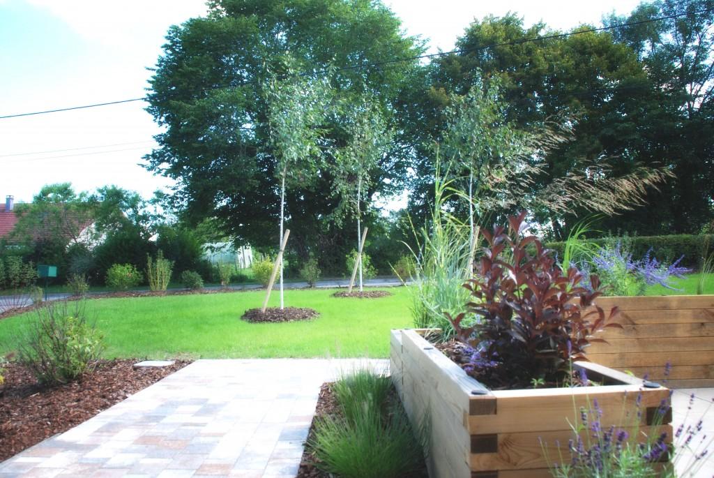 Plantations en limite de jardin
